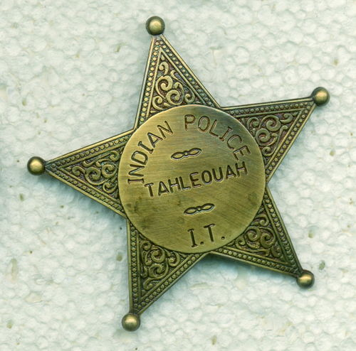 INSIGNIA PLACA INDIAN POLICE TAHLEOUAH.