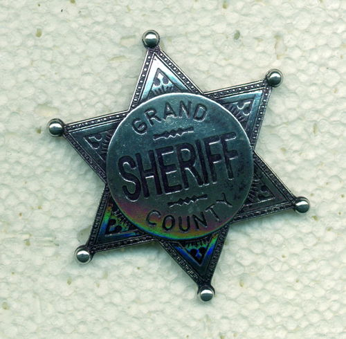 INSIGNIA PLACA GRAND COUNTY SHERIFF NÍQUEL.